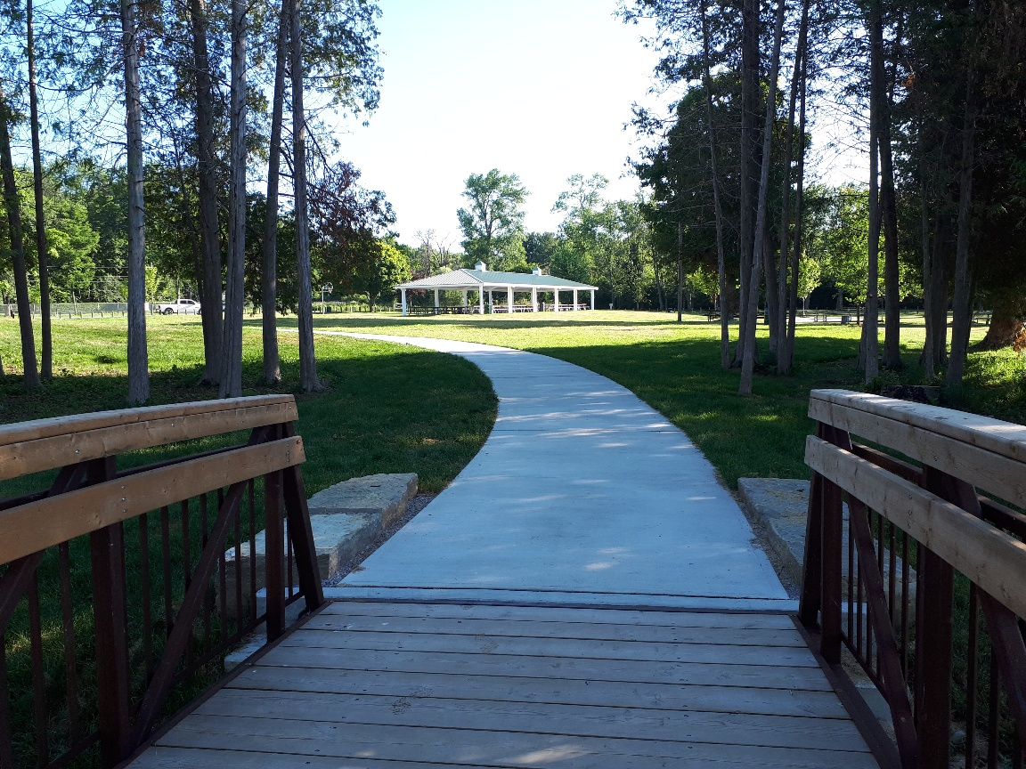 Bayview Memorial Park Path to Pavilion